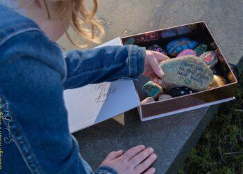 fotografeer-jij-ook-levende-mensen-Happy-stones-kind